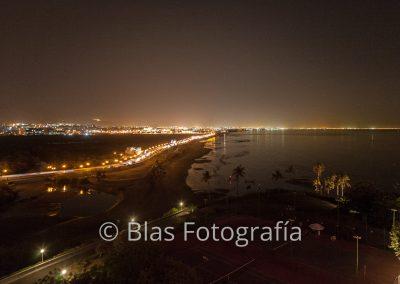 Anochecer en playa del Crowne Plaza Muscat