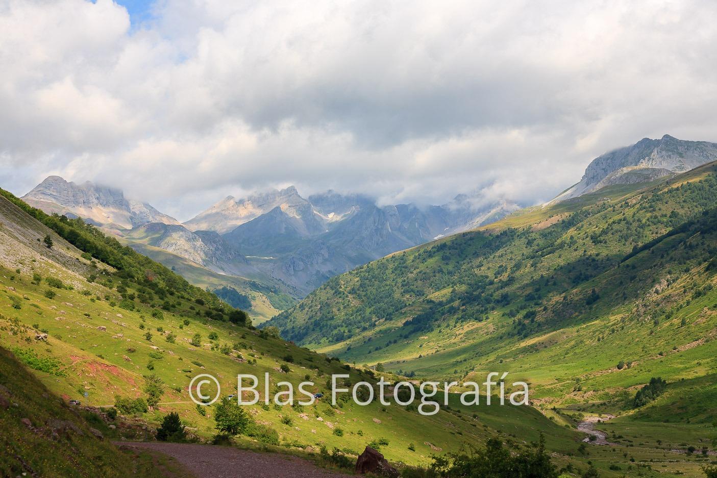 Valle en Pirineos