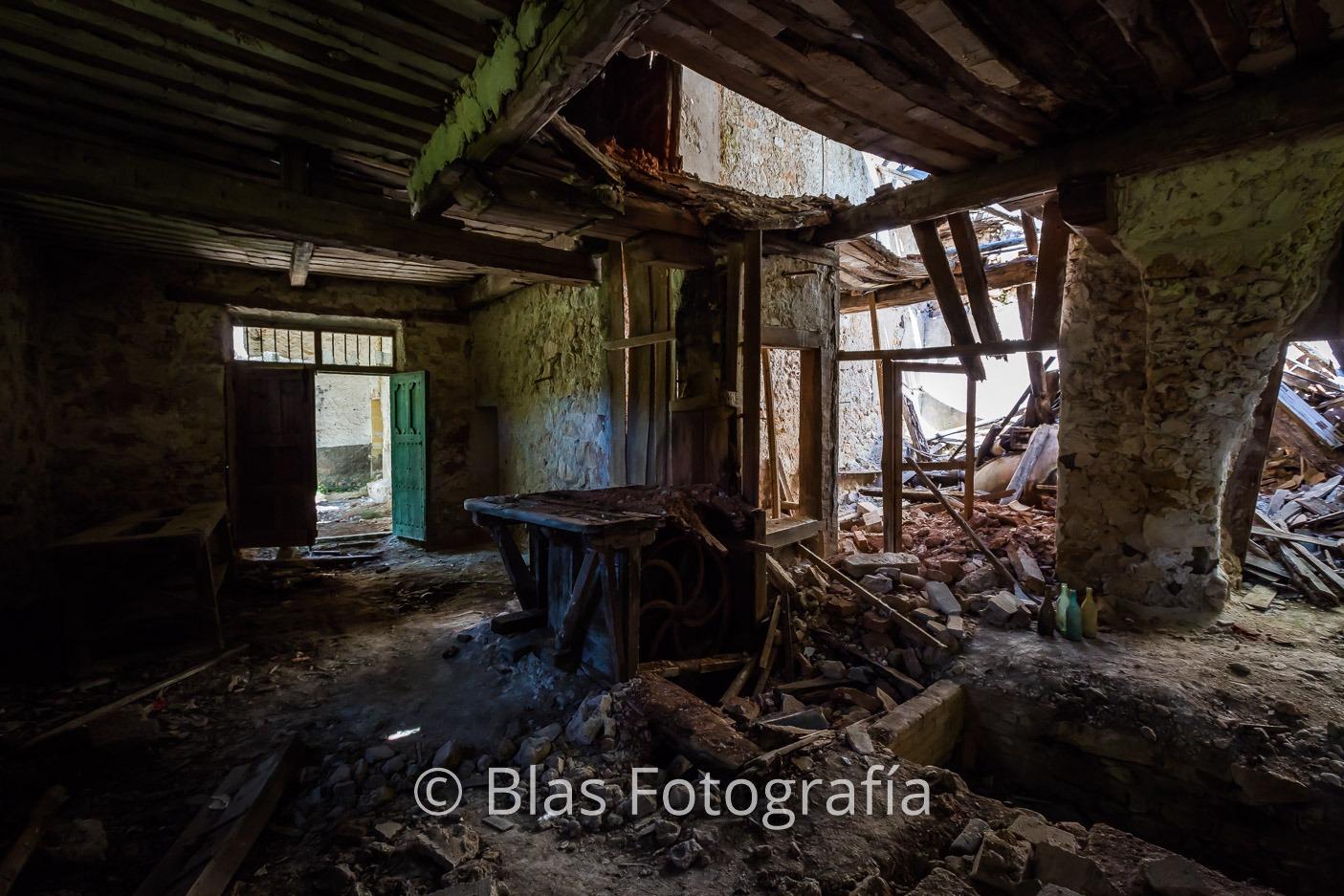 Ruinas de molino harinero de agua