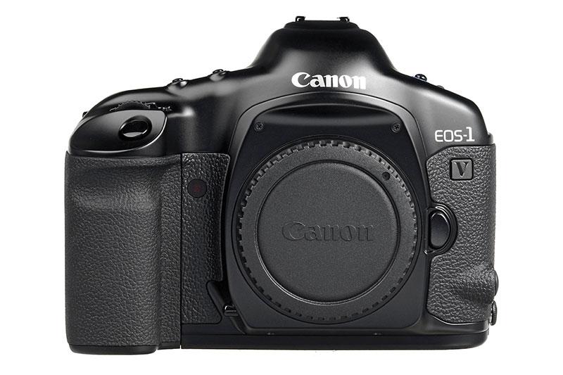 Canon discontinua su última cámara de película, la EOS-1v